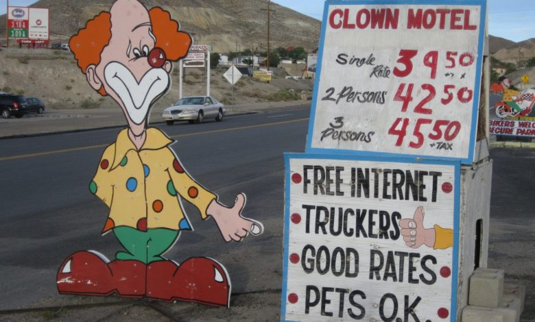 Photo of It's Been Called the Scariest Motel in America..Dare You Stay in the Clown Motel?